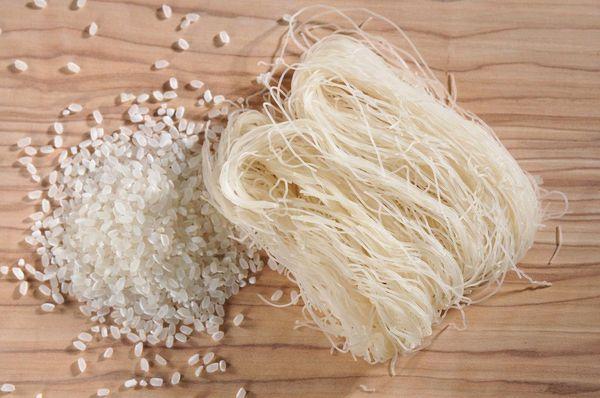 台灣 即食 有機純米 米粉(煮3分鐘即可享用!)(1包有4個有機米粉) 200g