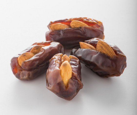 Dates with Almond Snack (Family Pack)